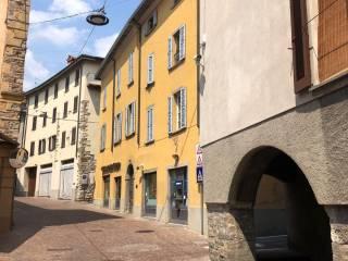 Foto - Bilocale da ristrutturare, terzo piano, Caprino Bergamasco