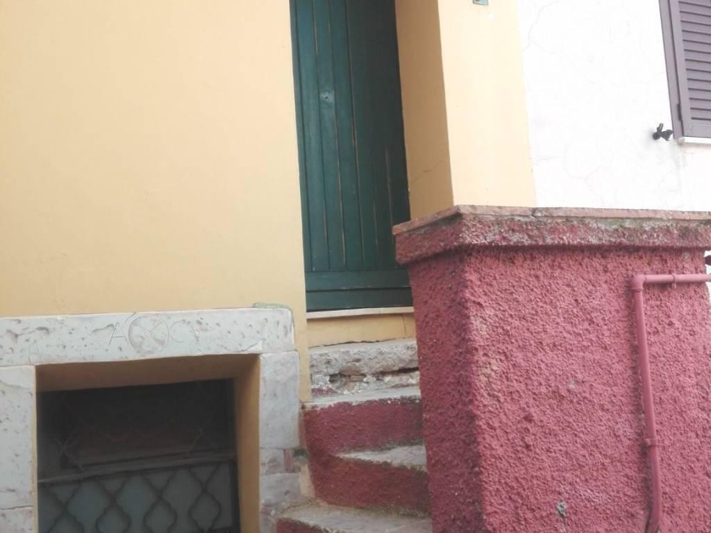 foto  Single-family townhouse via Cairoli, Giuliano di Roma