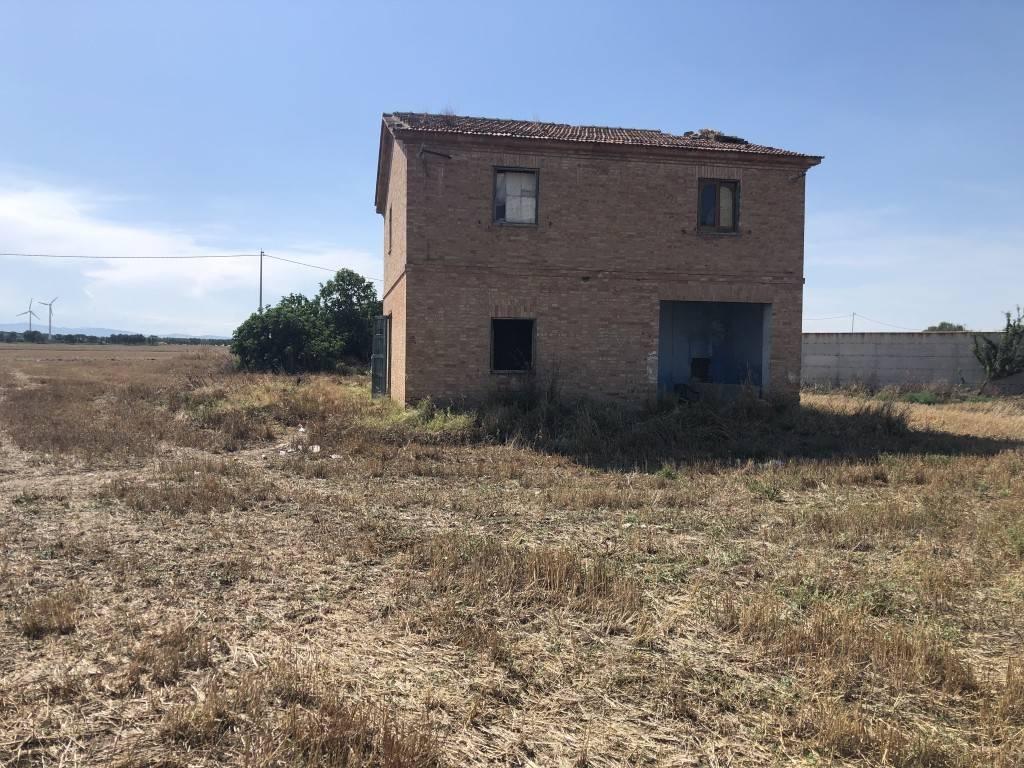 foto casale Farmhouse Strada Vicinale Torremaggiore Foggia, Lucera
