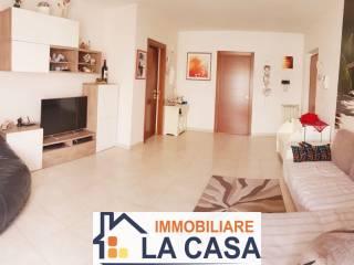 Foto - Quadrilocale via Luigi Pastore, Aversa