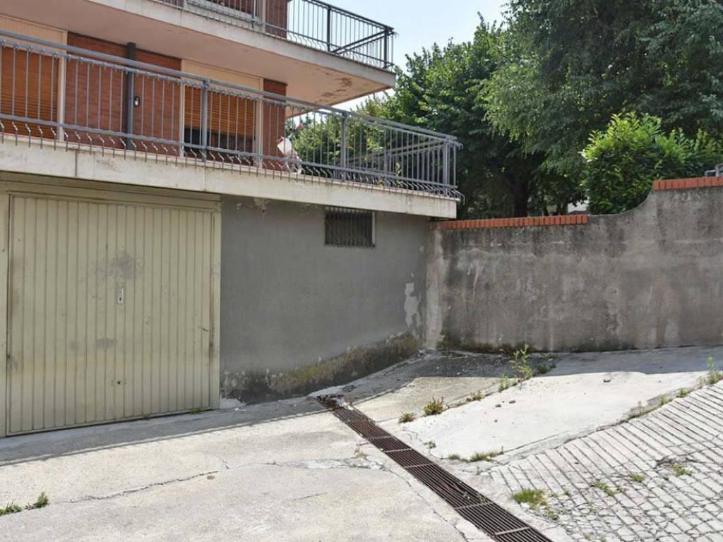 foto ingresso autorimessa Car box / Garage via della Repubblica 1, Dronero