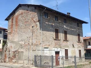 Photo - Building via Monsignor Giuseppe Maggi, Dalmine