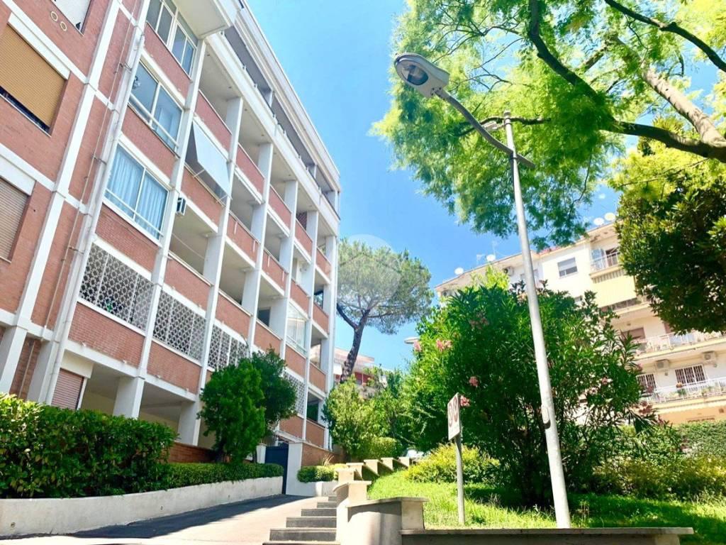 Affitto appartamento napoli monolocale in via francesco for Monolocale napoli affitto arredato