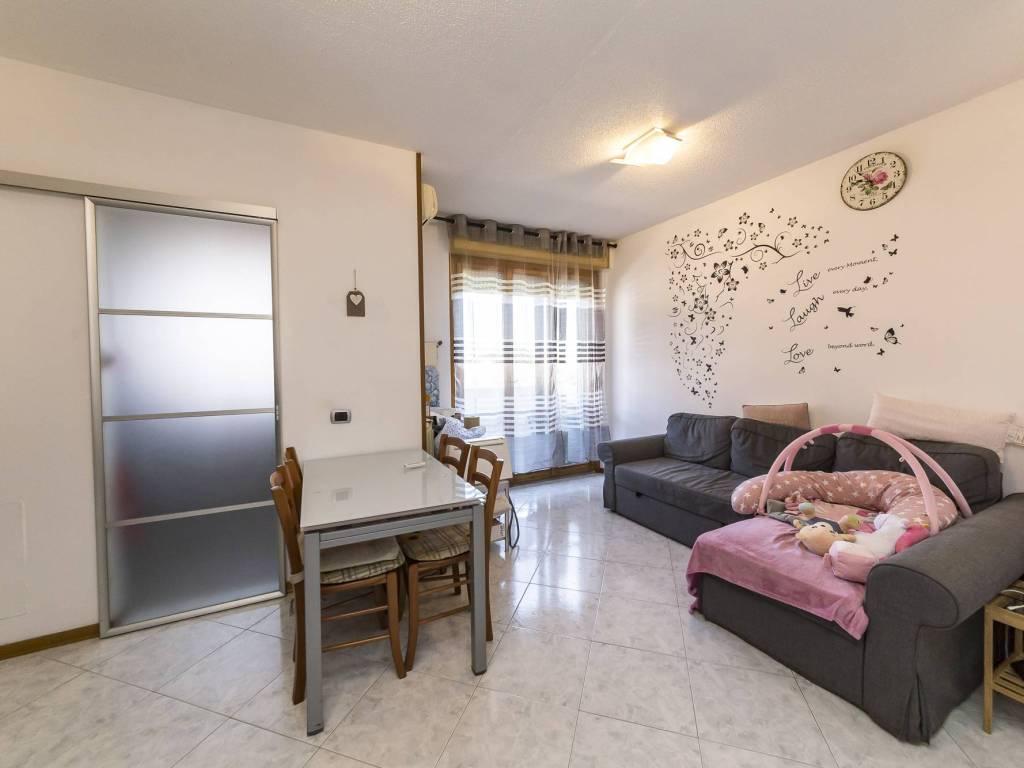 foto interno 3-room flat via dei Tigli 3, Rodano