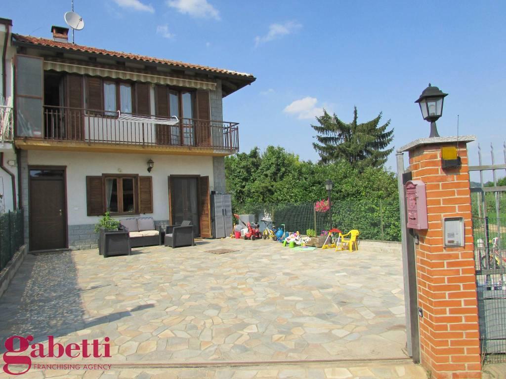 foto ESTERNI Single family villa Località Lussi, Santa Vittoria d'Alba