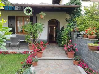 Foto - Villa unifamiliare via Alessandro Volta, Beregazzo con Figliaro