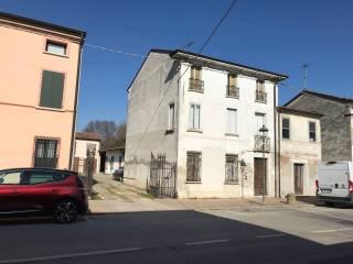 Photo - Building via Roma 45, Quingentole