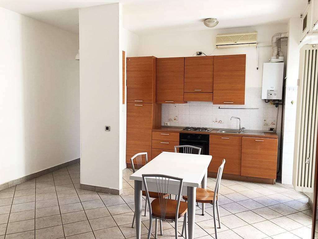 foto Sala cucina Bilocale via Stelvio 9, Novate Milanese