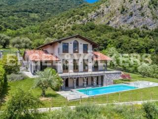 Photo - Single family villa, excellent condition, 400 sq.m., Tremezzina