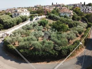 Foto - Terreno edificabile residenziale a Guidonia Montecelio