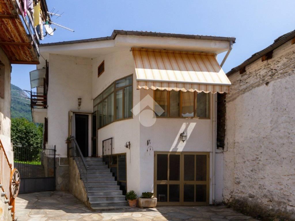 foto FACCIATA Single-family townhouse Località Toupioun, Villar Pellice