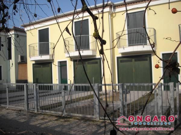 foto  Villa a schiera via Ortigara, Copparo