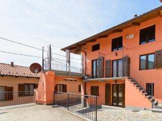Photo - Detached house via Principi delle Cisterna 63, Reano