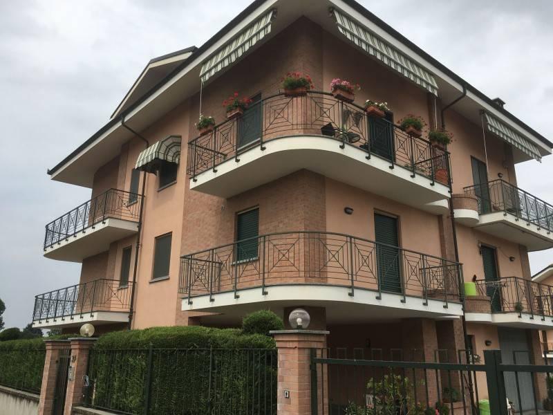 foto esterno 4-room flat via Racconigi, 30-e, Sommariva del Bosco