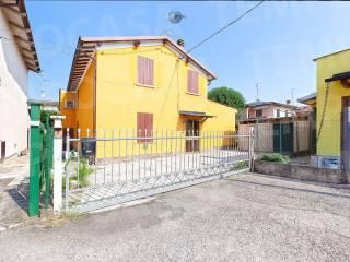Photo - Two-family villa via Amerigo Vespucci 7, Novellara