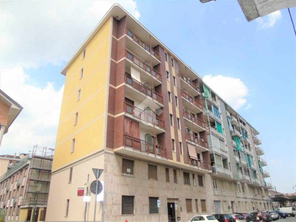 foto Palazzina 3-room flat via Caduti per la Libertà, Chivasso