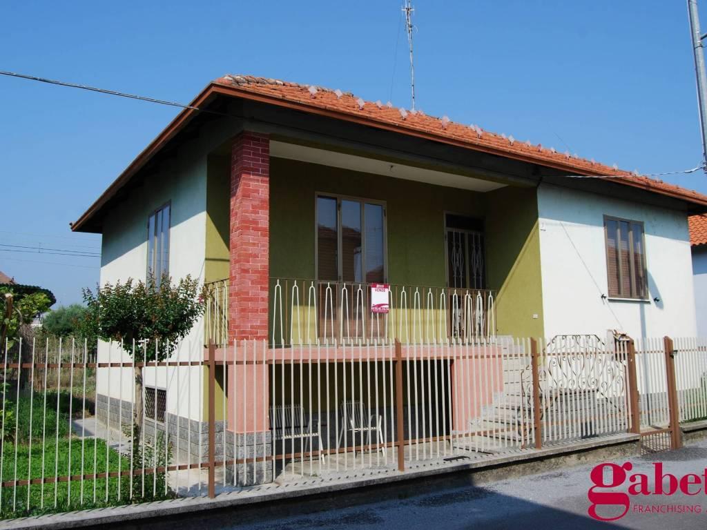 foto ESTERNO Single family villa via Nino Costa, Bra