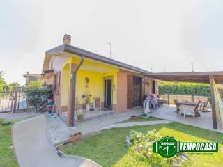 Foto - Villa plurifamiliare via San Giacomo, Rognano