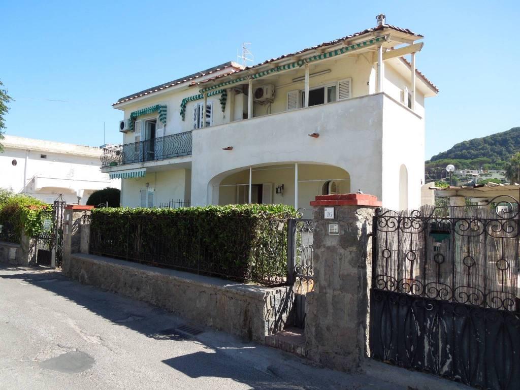foto  4-room flat via Calosirto, Forio