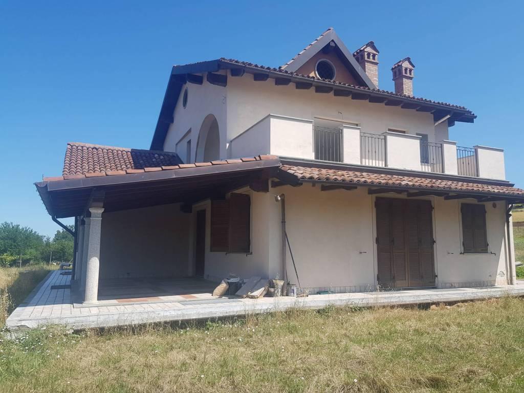 foto VISTA GIARDINO Villa bifamiliare Strada Provinciale Villaromagnano, Tortona