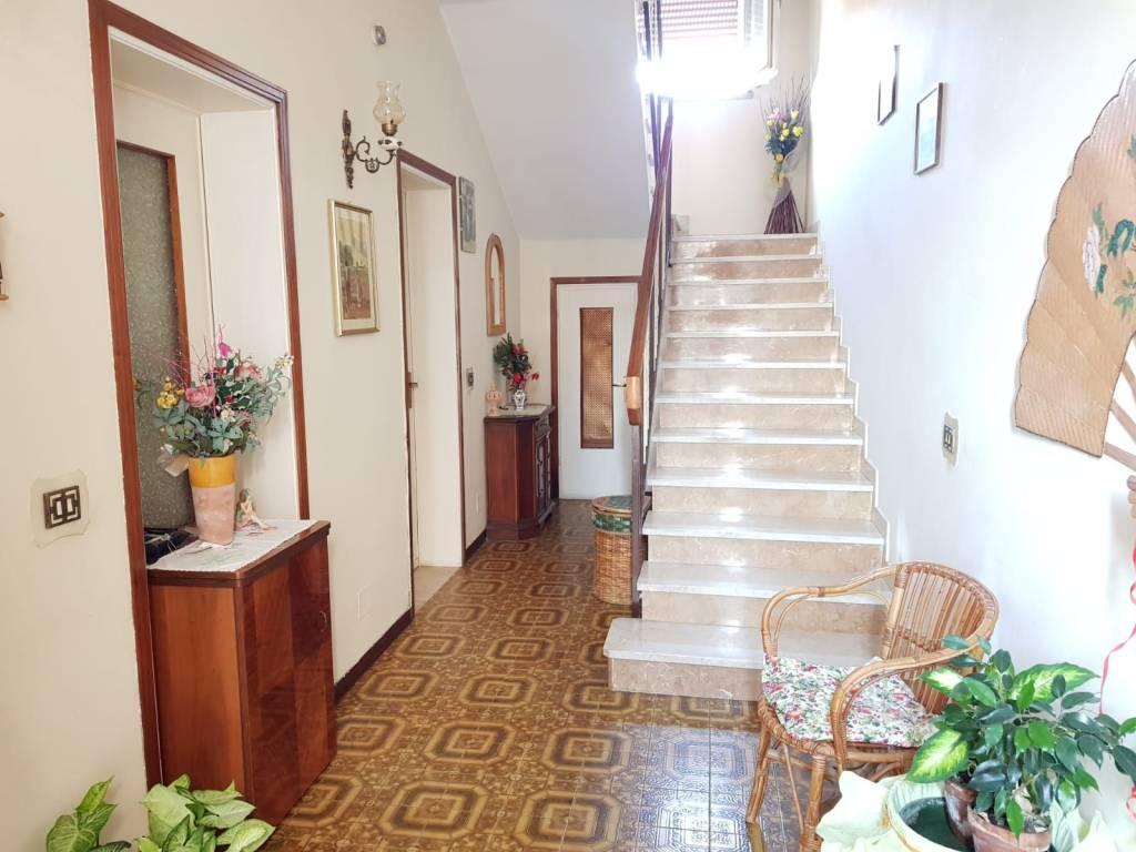 foto  Villa unifamiliare, buono stato, 210 mq, Roncoferraro