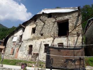 Photo - Country house, to be refurbished, 180 sq.m., Peveragno