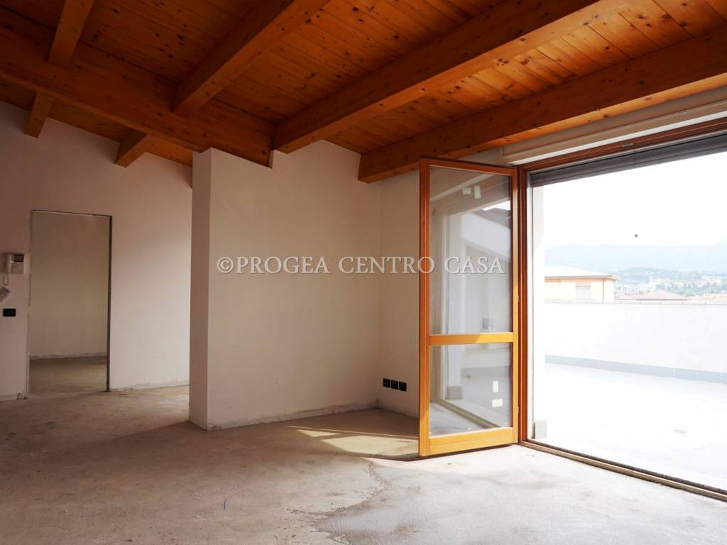foto Soggiorno Quadrilocale via Camillo Benso di Cavour 1, Albano Sant'Alessandro