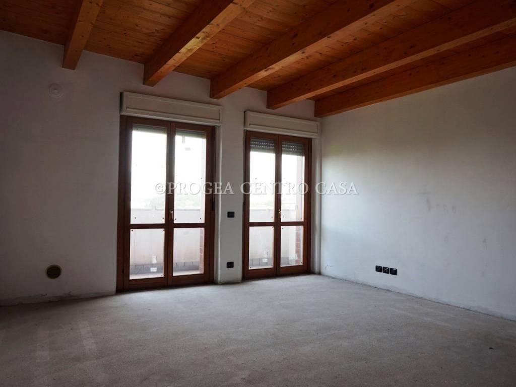 foto Soggiorno Trilocale via Camillo Benso di Cavour 1, Albano Sant'Alessandro