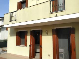 Photo - Terraced house 5 rooms, new, Stienta