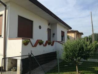 Photo - Single family villa via Giovanni Monti 2592, Frassinelle Polesine