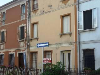 Photo - Terraced house via Giuseppe Verdi 21, Revere