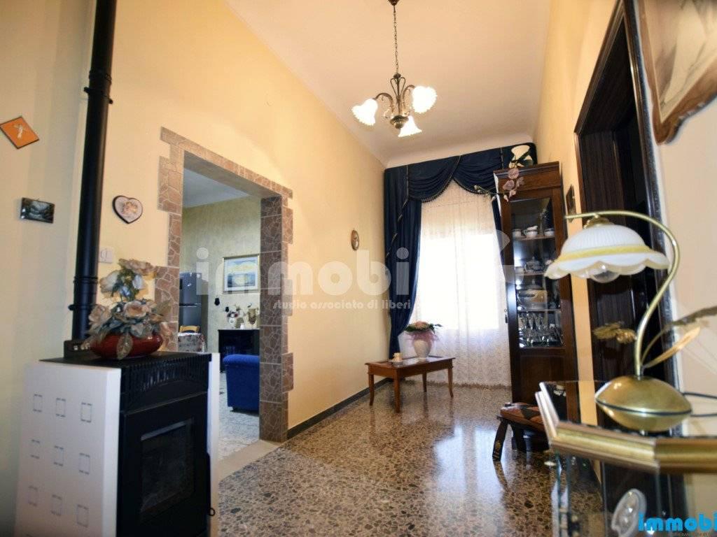 foto ingresso/disimpegno Appartamento buono stato, primo piano, Oria