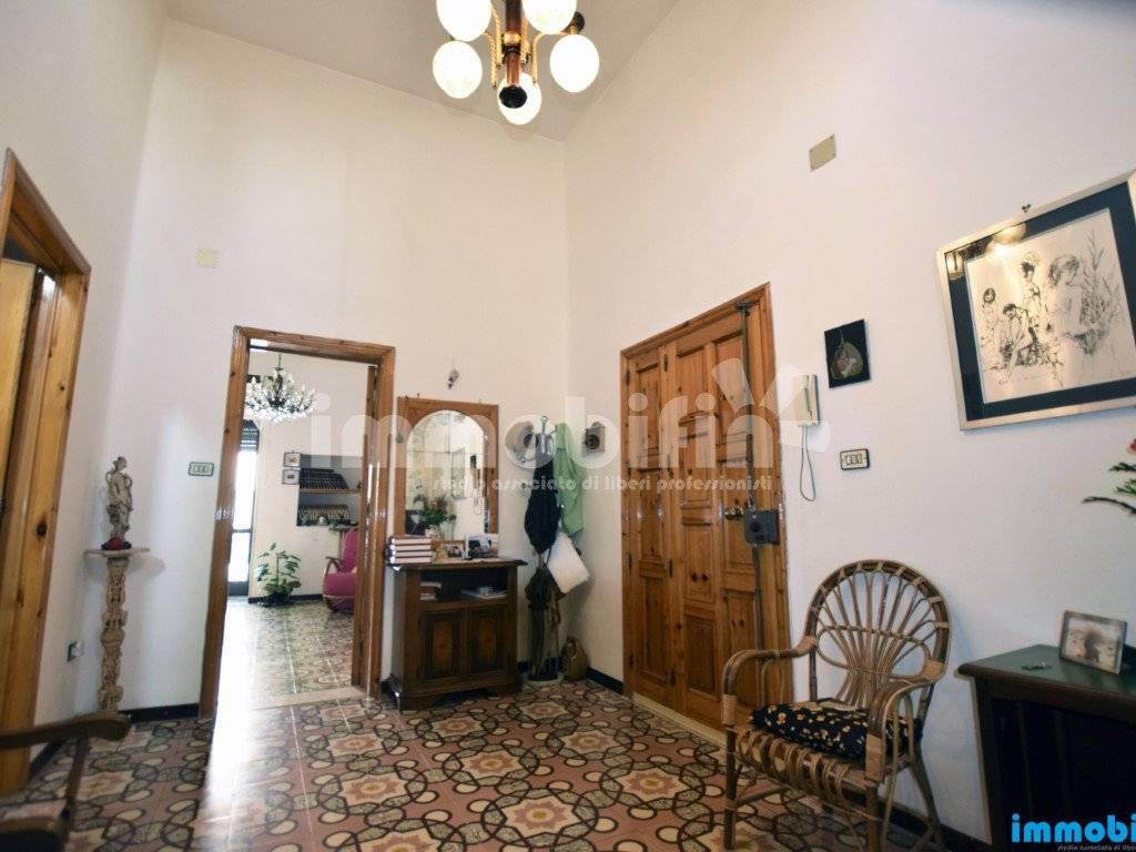 foto ingresso Appartamento buono stato, primo piano, Oria