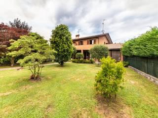 Foto - Villa a schiera via Gaetano Besana 52, Sirtori