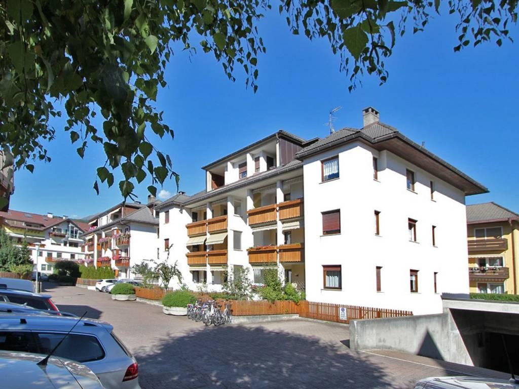 foto vista esterna fronte 4-room flat via Goethe 5, Brunico