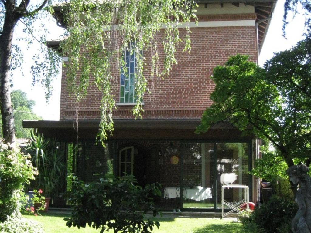 foto esterno Villa unifamiliare via Cristoforo Colombo 7, Cesano Maderno