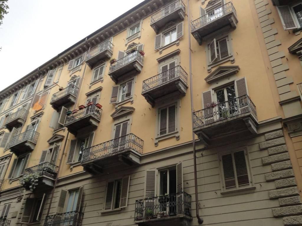 foto STABILE Bilocale corso Regina Margherita 94, Torino