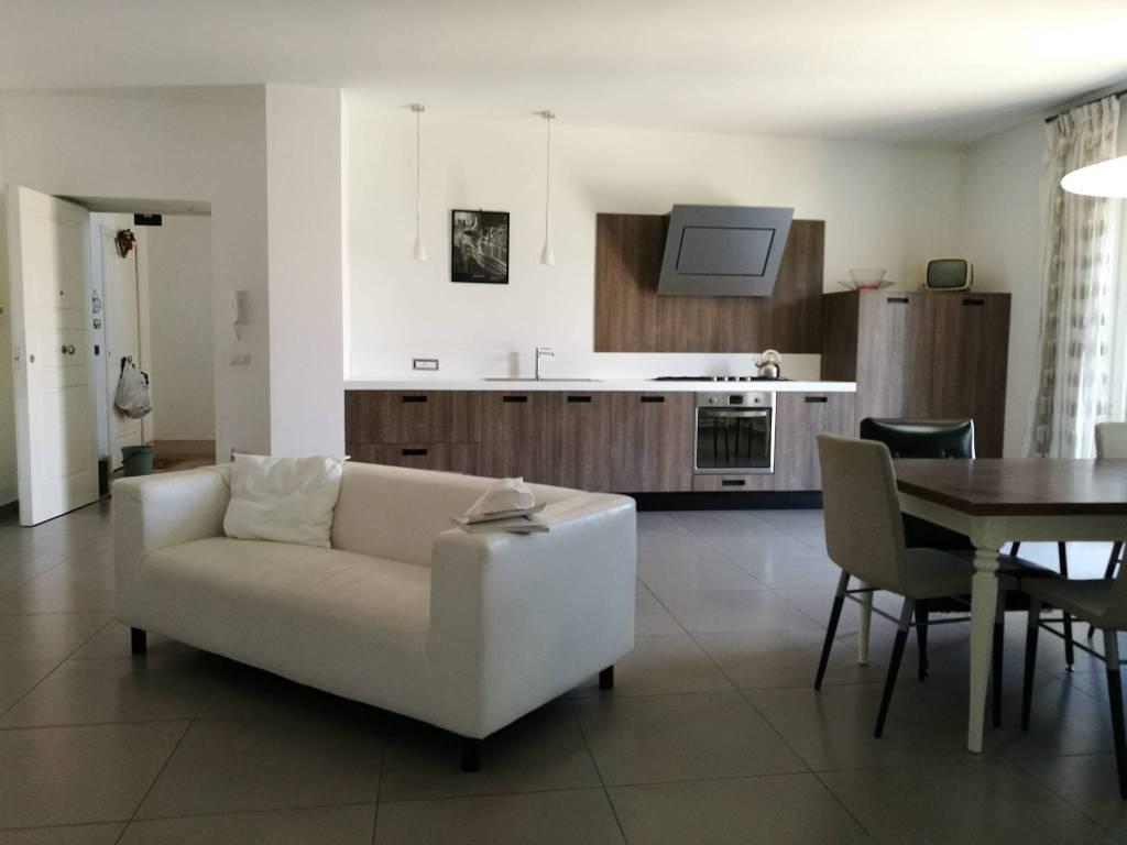 Armadio Ripostiglio Ad Angolo sale apartment bacoli. 4-room flat in via fusaro. excellent