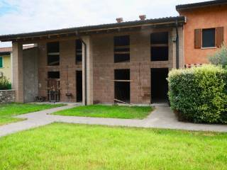 Photo - Country house, new, 196 sq.m., Solferino