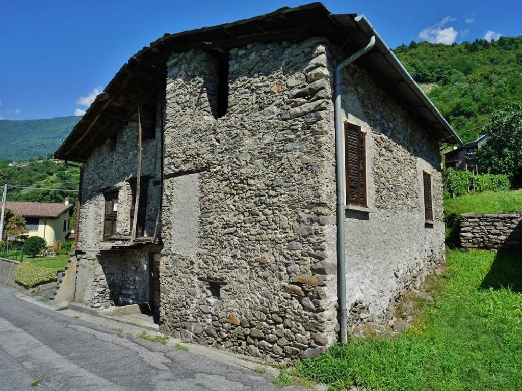 foto  Country house, to be refurbished, 194 sq.m., Buglio in Monte