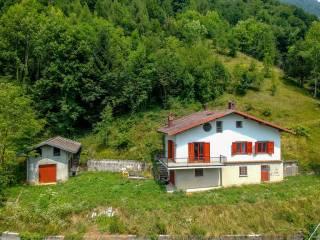 Photo - Country house via Opifici, Gandino