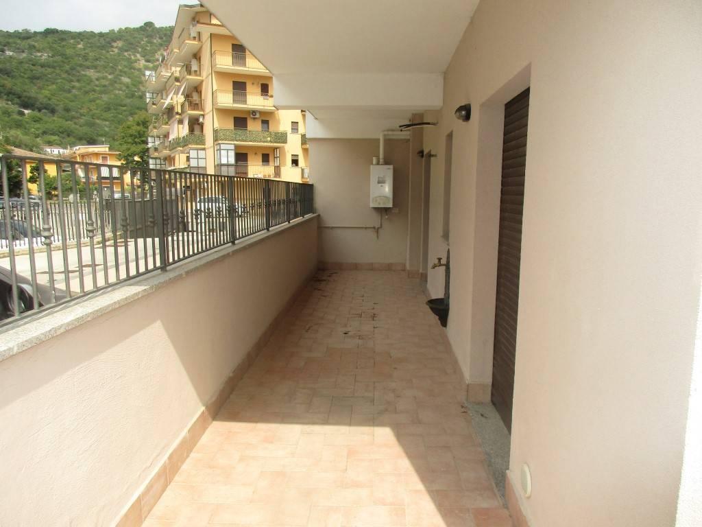 foto balcone Bilocale via Sferracavalli, Cassino