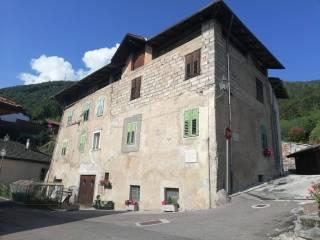 Foto - Villa plurifamiliare frazione Di Mechel 70, Cles