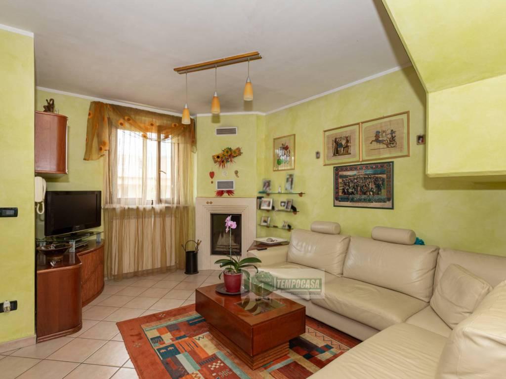 foto SALA 4-room flat via Martiri della Libertà, Lauriano
