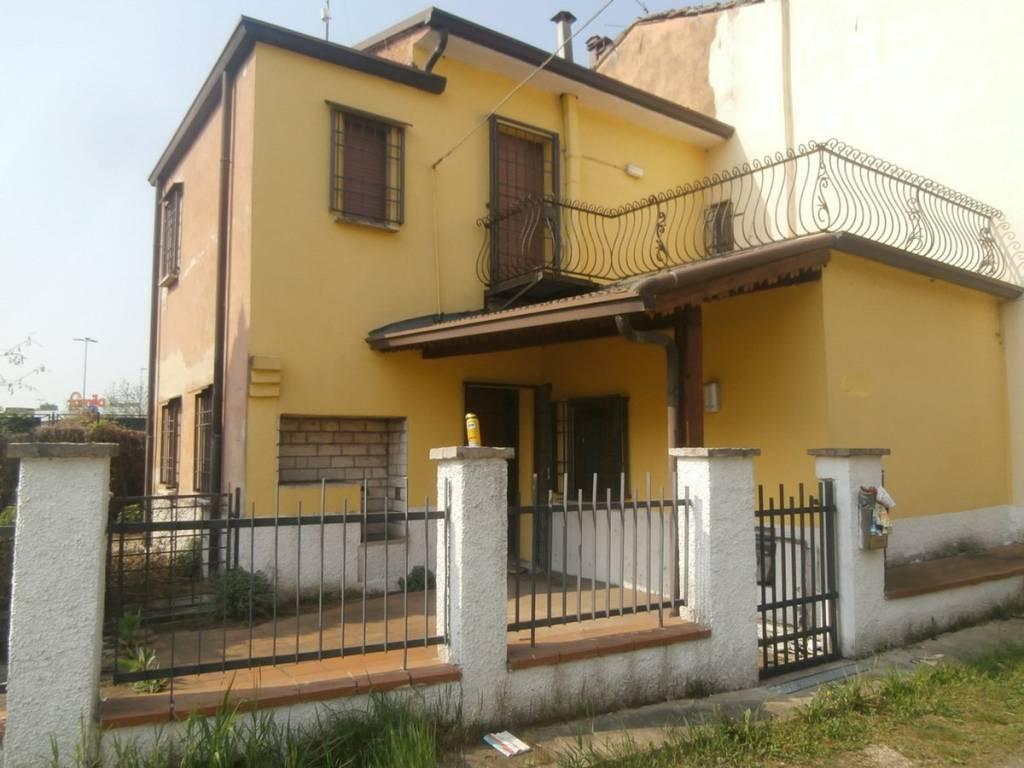 foto casetta Single-family townhouse via Verona, Mantova