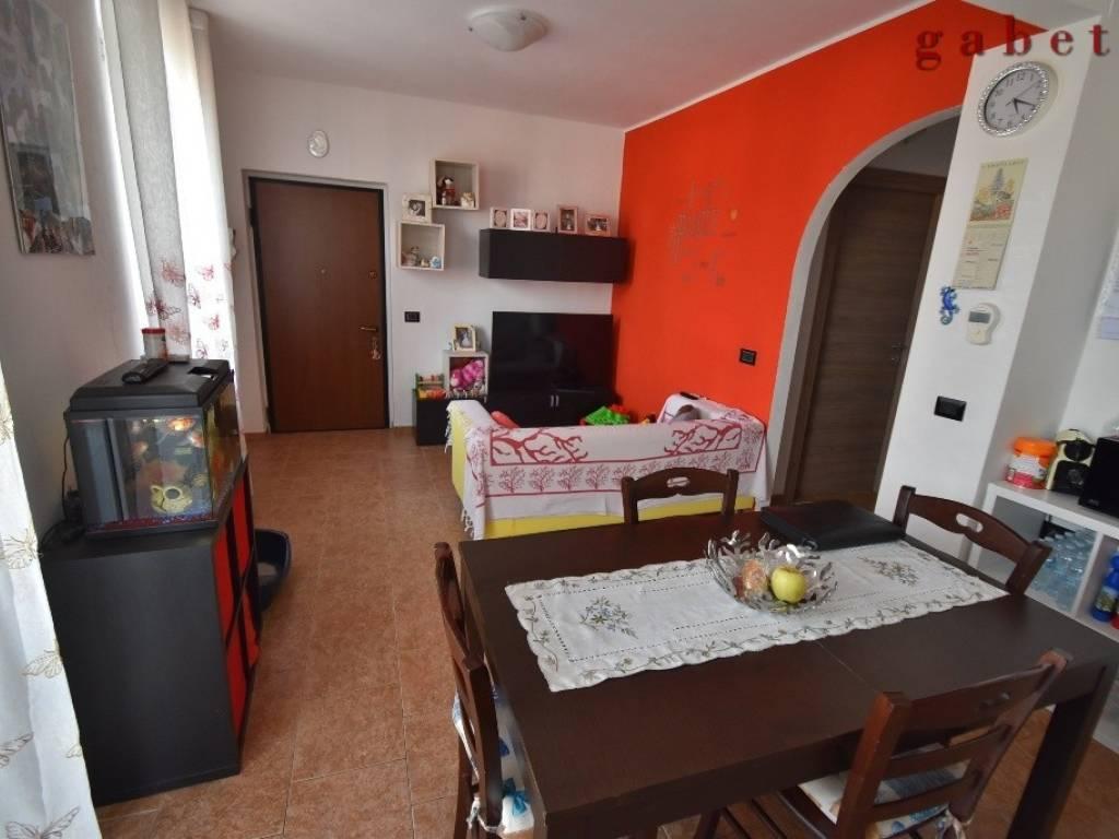 foto  Multi-family townhouse 70 sq.m., excellent condition, Santo Stefano Ticino