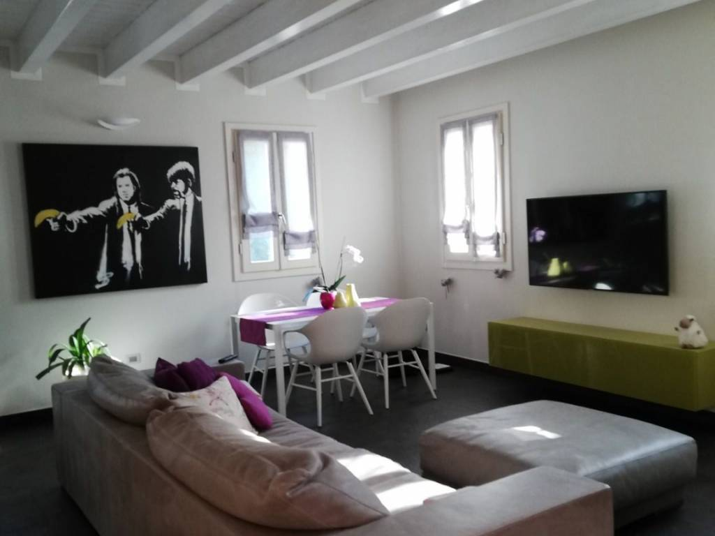foto  Apartment excellent condition, second floor, Quattro Castella
