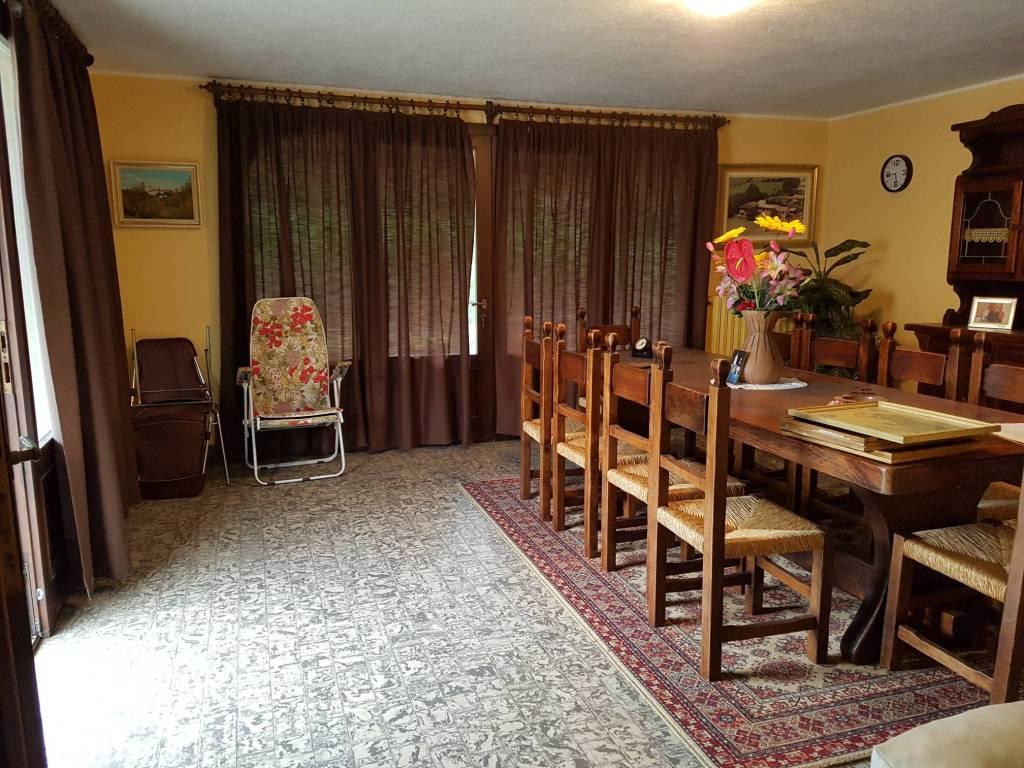 foto  Villa unifamiliare via Cantone, Cuvio
