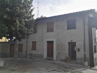 Foto - Casa indipendente piazza del Castello 35, Torgiano