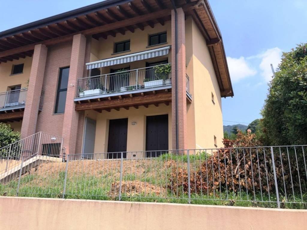 foto Esterno Trilocale via Suor Locatelli, Villa d'Adda